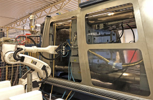 JIJ-Plast AB - Formspruta 1000 ton med Robot